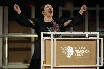 世界上最好的老师花100万美元对抗内卷